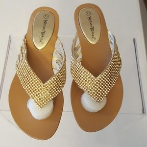 Nature Breeze Rhinestone Sandle